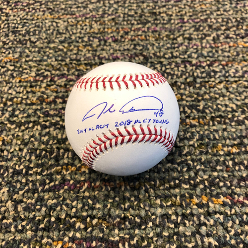 "Photo of Buster Posey BP28 Foundation - Autographed Baseball signed by New York Mets Starting Pitcher Jacob deGrom - Inscribed ""2014 NL ROY"" & ""2018 NL CY Young:"""