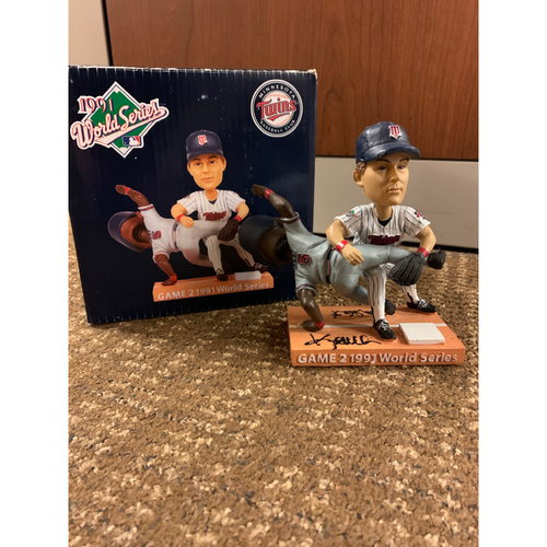 Photo of Kent Hrbek and Ron Gant Autographed Bobblehead