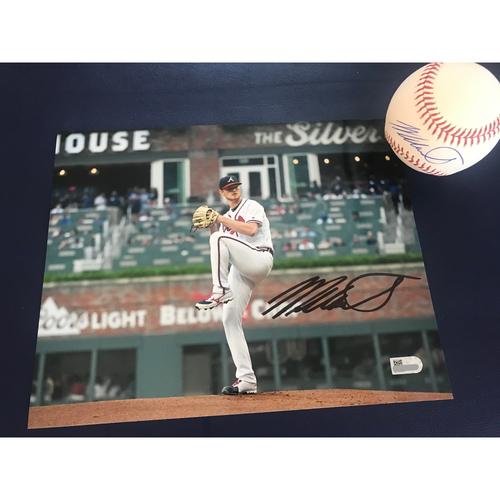 Photo of Mike Soroka MLB Authenticated Autographed Baseball and 8x10 Photo Combo