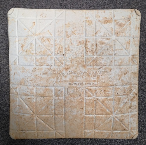 Photo of Authenticated Game Used Base - 1st Base for Innings 1 to 5 (Jun 25, 14 vs NYY). Career Hit #3388 for Jeter.