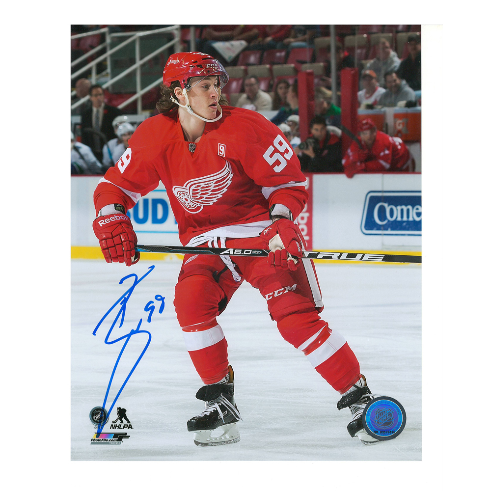 TYLER BERTUZZI Signed Detroit Red Wings 8 X 10 Photo - 70175